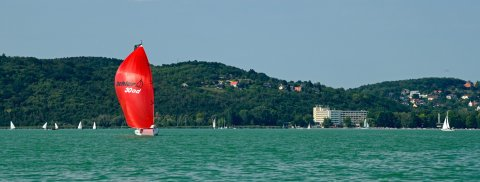 Dehler 30 one design Hungary fastest down wind leg