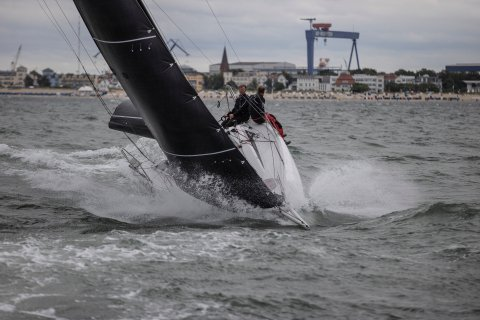 offshore sailing at a glance