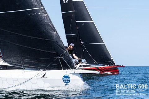 Dehler 30 one design head to head sail racing