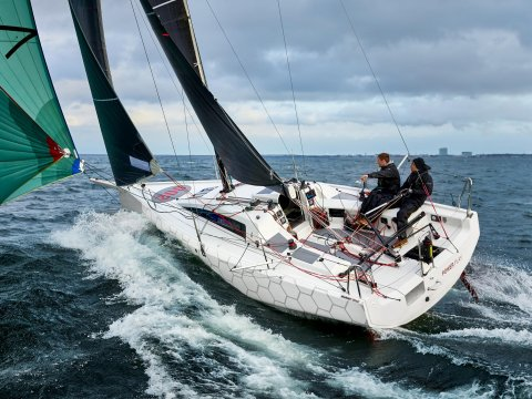 DEHLER 30 ONE DESIGN OFFSHORE Youth development and sponsoring