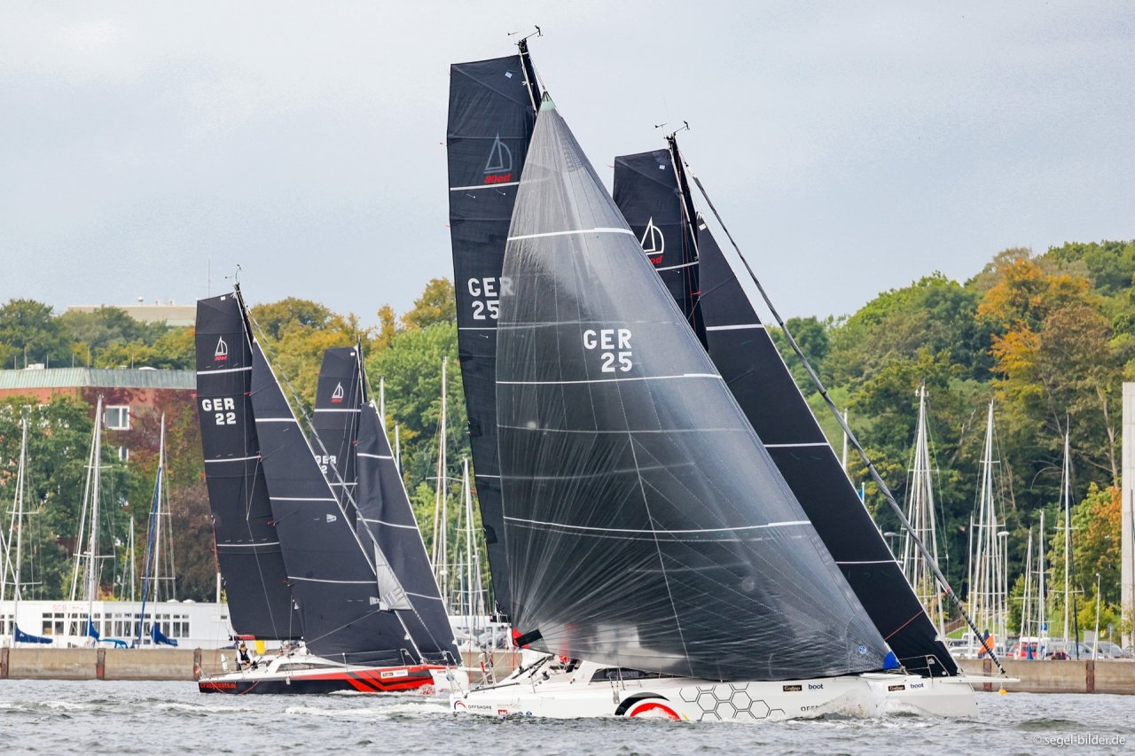 double handed, mixed offshore und single handed sailing races